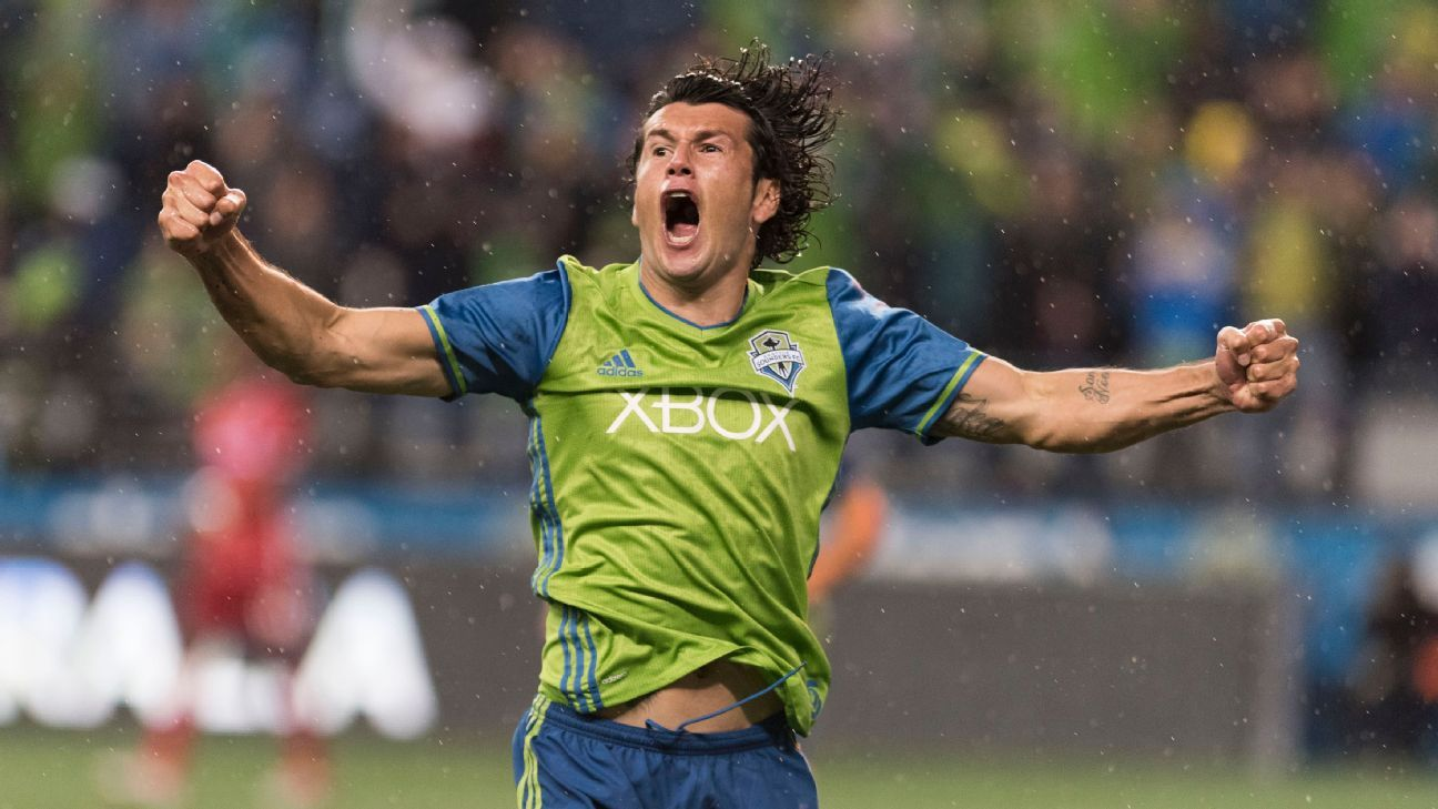 Nelson Valdez scored as the Seattle Sounders opened a 3-0 lead on FC Dallas.