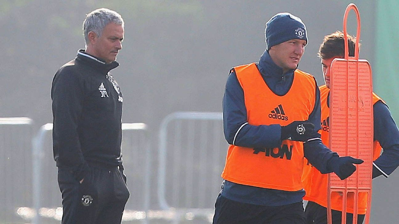 Schweinsteiger did not deserve Mourinho treatment - Van Gaal