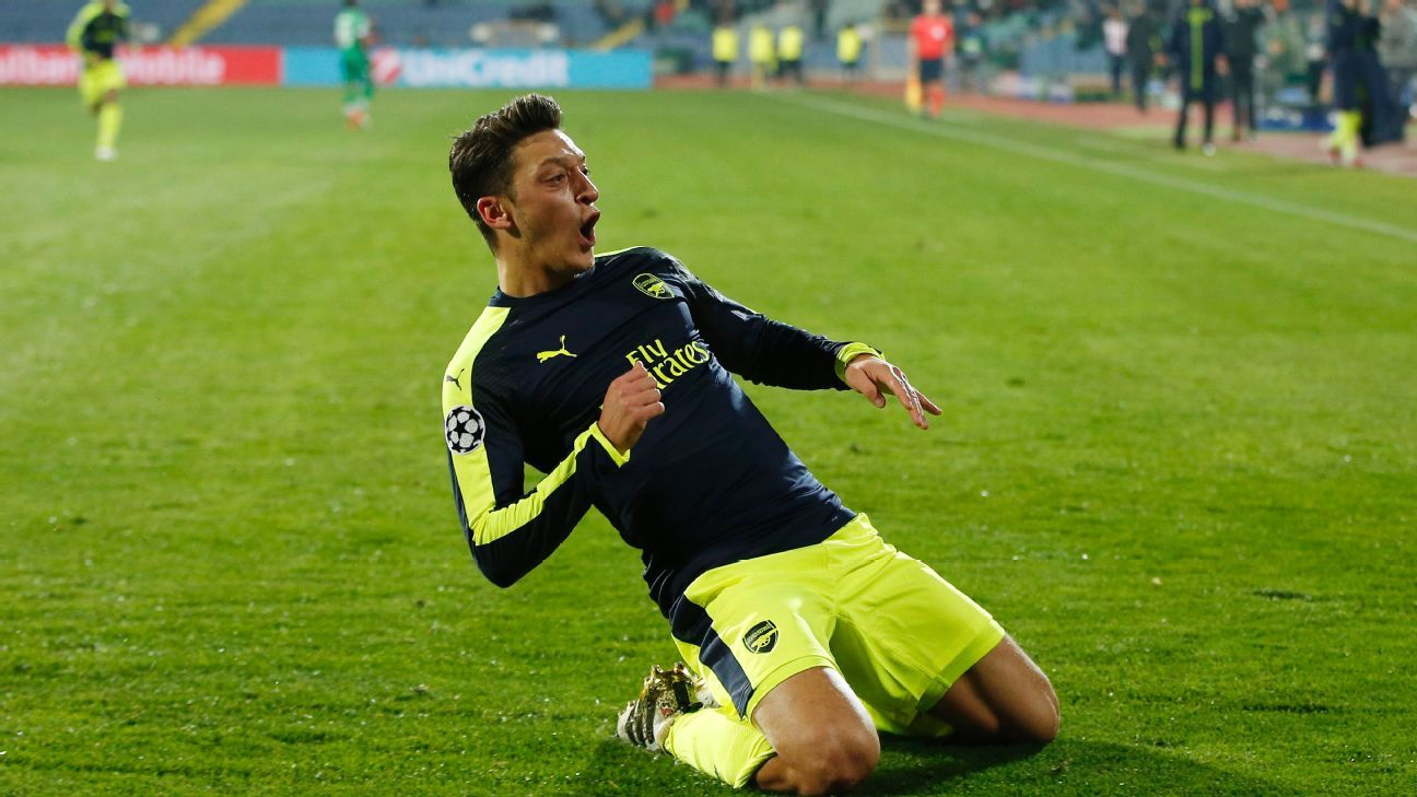 Football Soccer - PFC Ludogorets Razgrad v Arsenal - UEFA Champions League Group Stage - Group A - Vasil Levski National Stadium, Sofia, Bulgaria - 1/11/16  Arsenal's Mesut Ozil celebrates scoring their third goal
