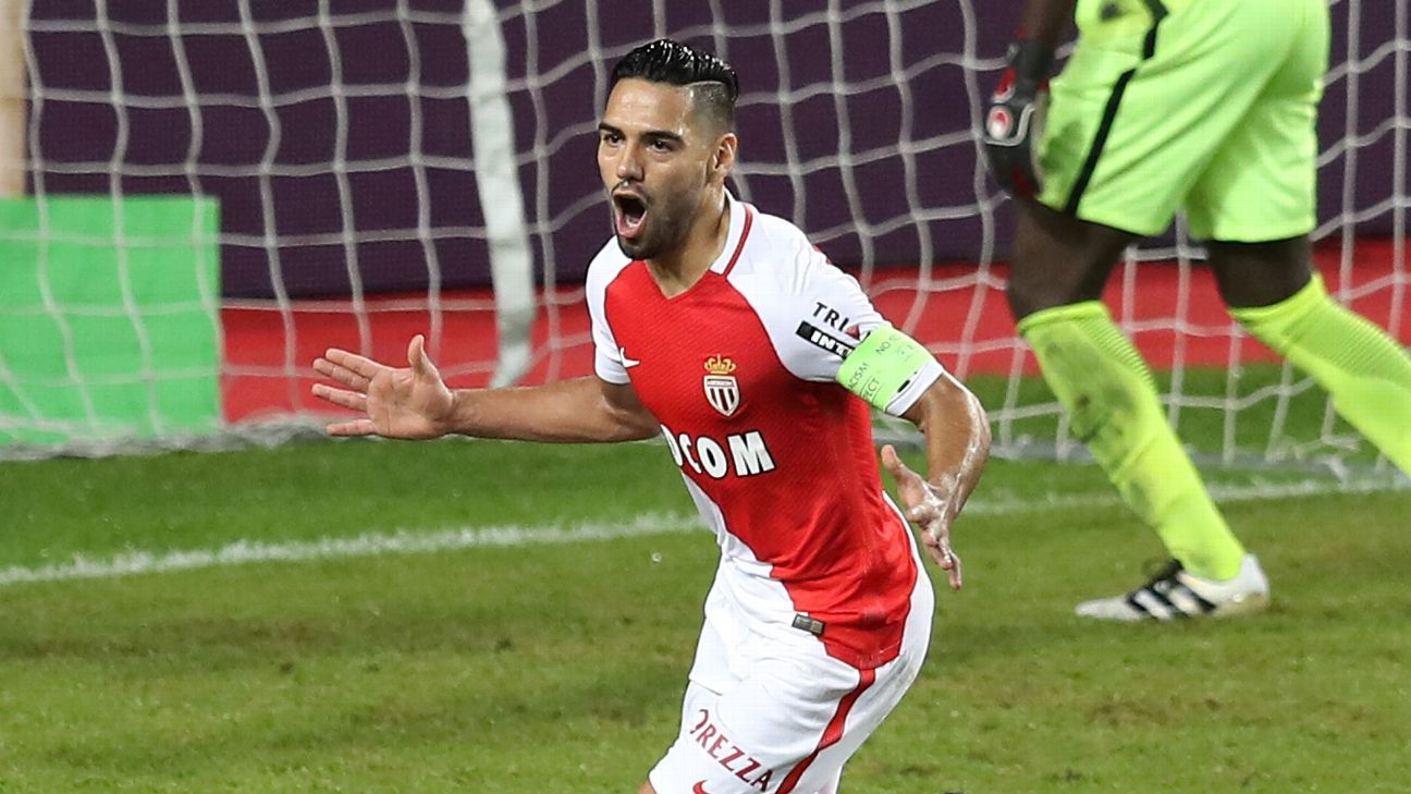 Monaco's Colombian forward Radamel Falcao celebrates after scoring a goal  during the French  L1 football match Monaco (ASM) vs Nancy (ASNL) on November 5, 2016 at the
