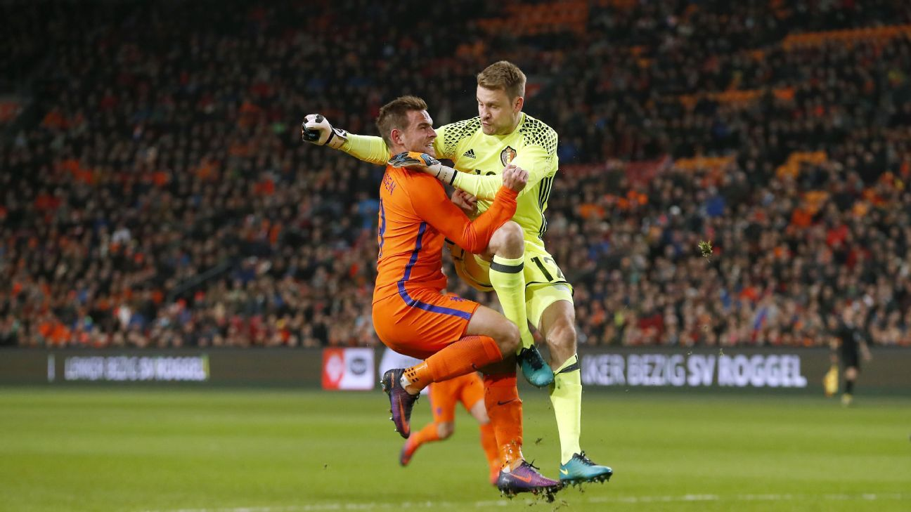 Vincent Janssen of Holland, goalkeeper Simon Mignolet of Belgium during a friendly match between the countries.
