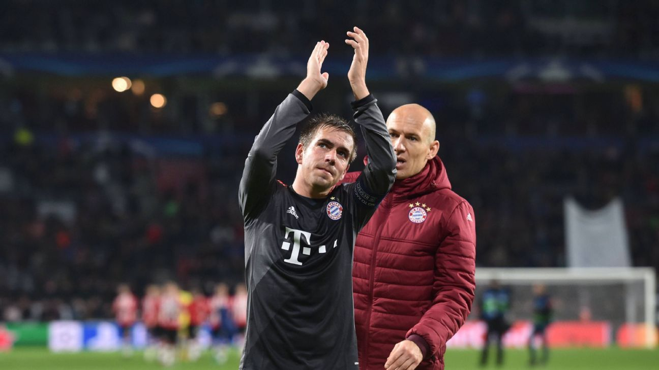 01 11 2016 Football UEFA Champions League 2016 17 Fight 4 Matchday PSV Eindhoven FC Bayern Munich Philipp Lahm Bayern Munich left and Arjen Robben Bayern Munich