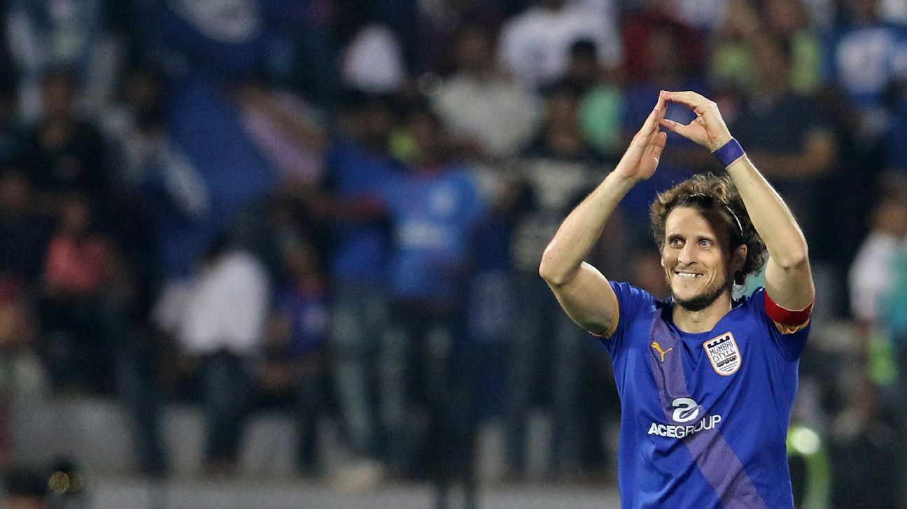 In attack, Diego Forlan will be the main attacking threat for Mumbai, who have not conceded a goal in four games.