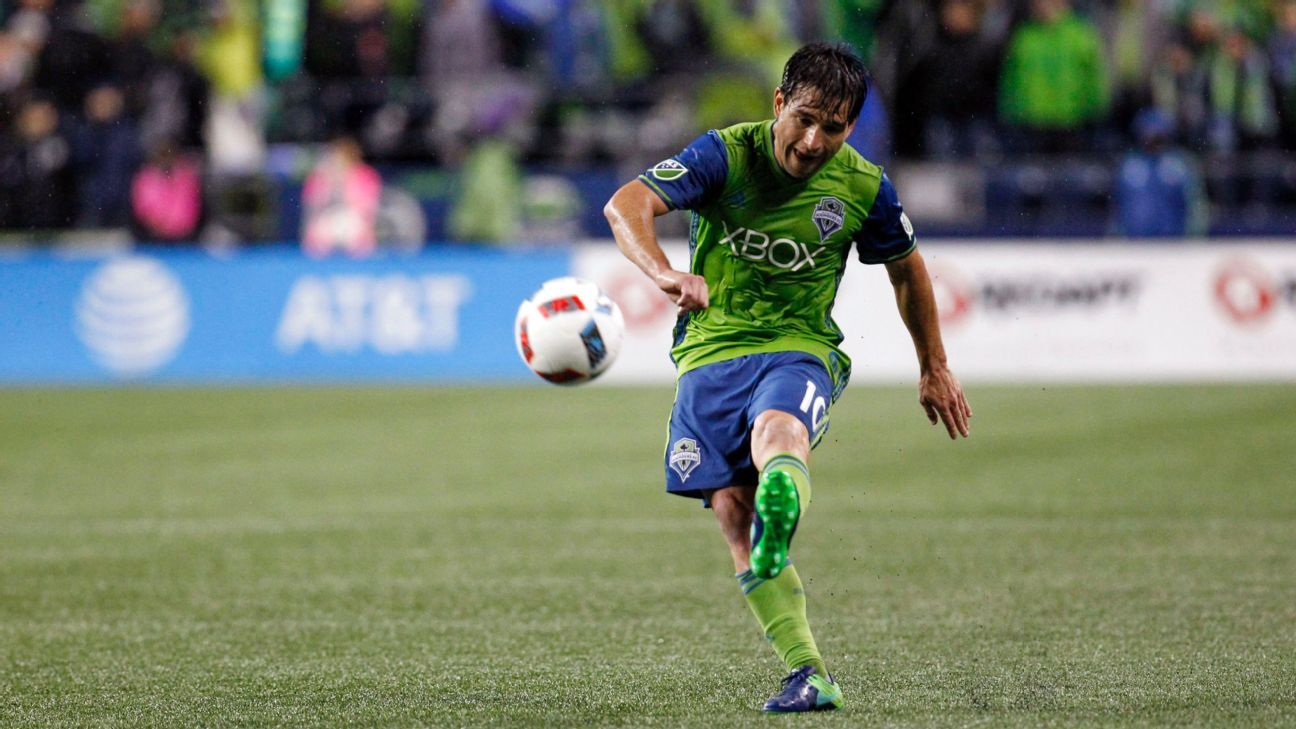 Lodeiro action vs Seattle 161122