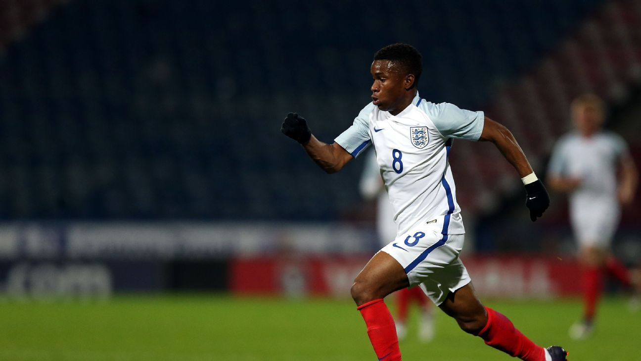 Ademola Lookman in action for England under-20 against Germany under-20.