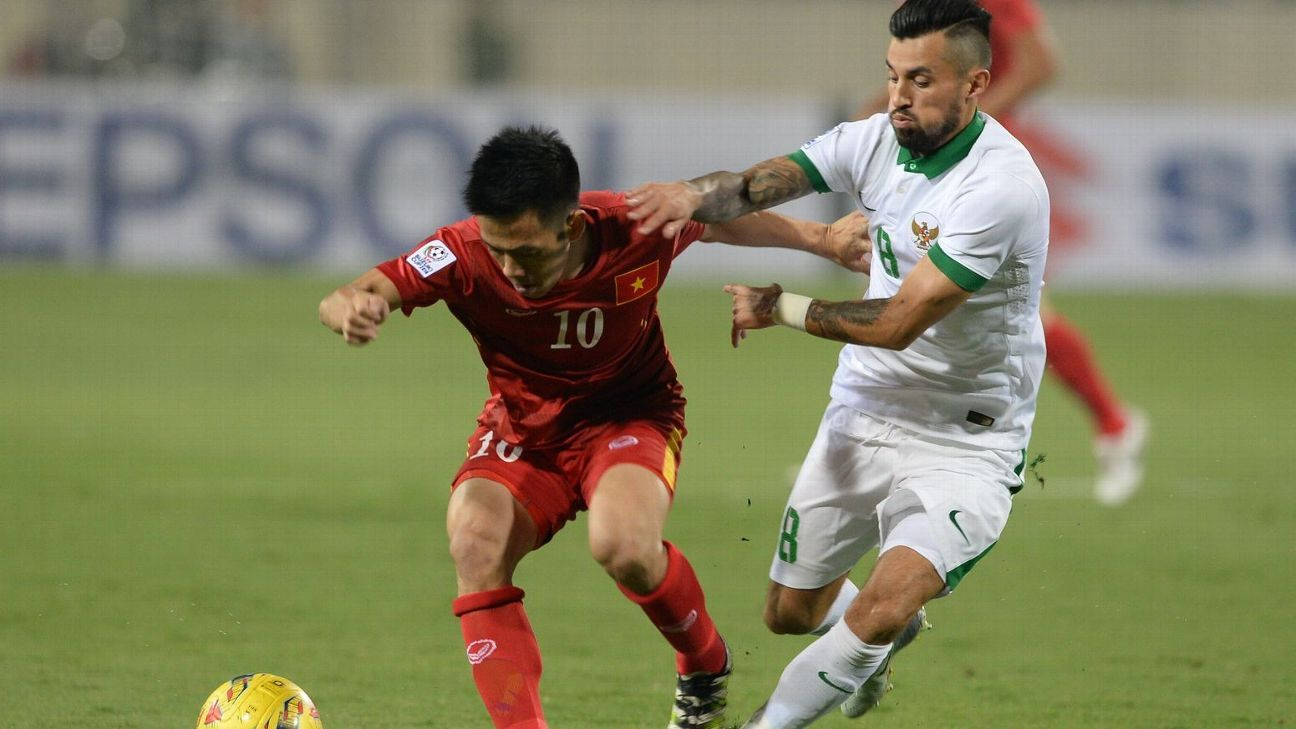 Indonesia's Stefano Lilipaly v Vietnam