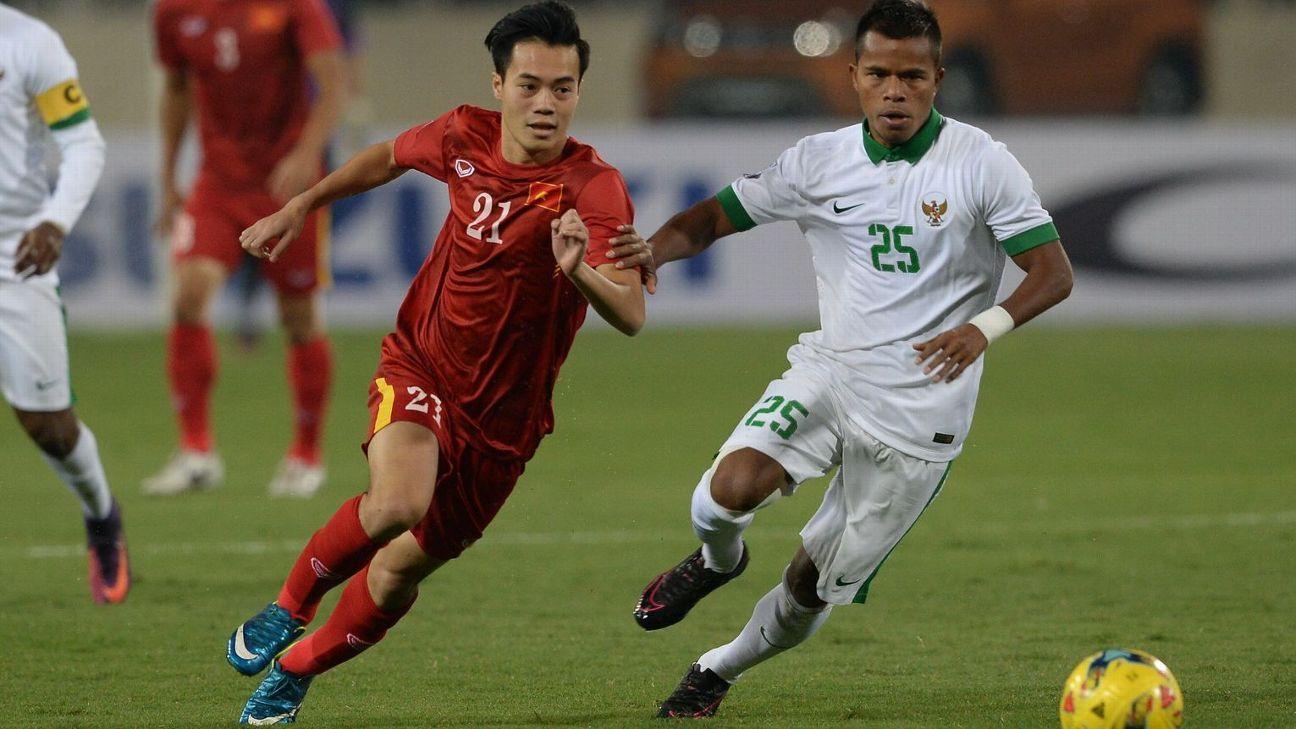 Indonesia MF Manahati Lestusen v Vietnam