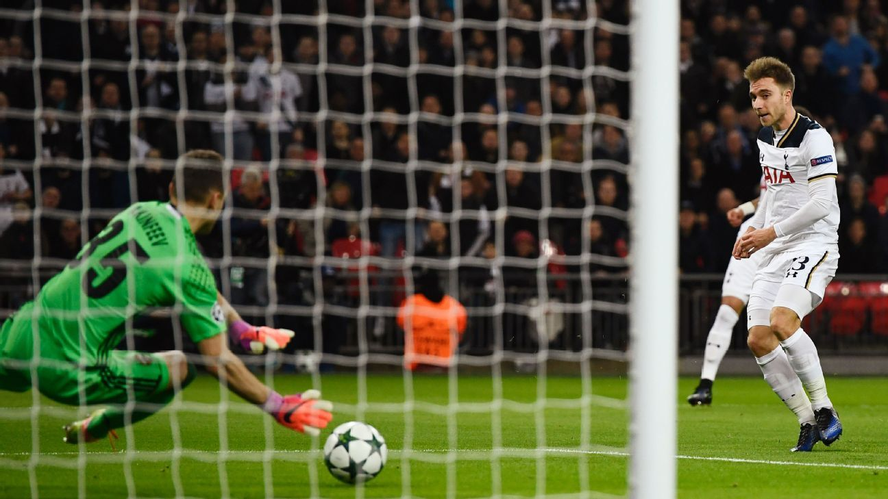 Football Soccer Britain - Tottenham Hotspur v CSKA Moscow - UEFA Champions League Group Stage - Group E - Wembley Stadium, London, England - 7/12/16 CSKA Moscow's Igor Akinfeev saves a shot from Tottenham's Christian Eriksen