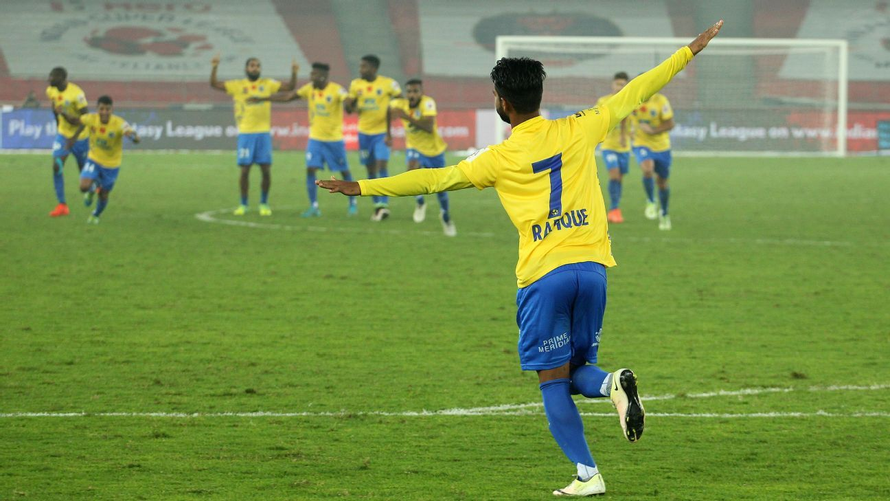 Rafique scores the winning penalty to take Kerala through to the 2016 ISL final.