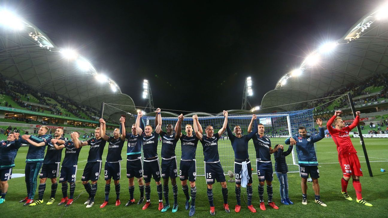 Melbourne Victory celebrate their 2-1 win over Melbourne City FC.