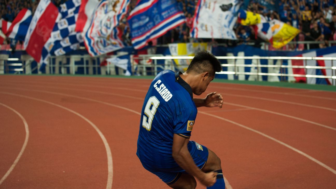 Siroch Chattong of Thailand celebrates