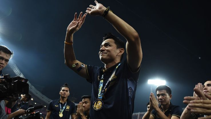 Coach Kiatisuk Senamuang celebrates Thailand 2016 AFF success
