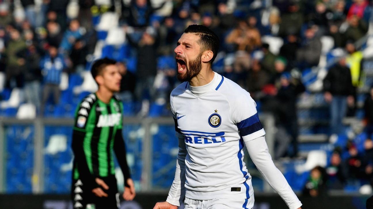 Antonio Candreva celebrates his goal for Inter Milan against Sassuolo.