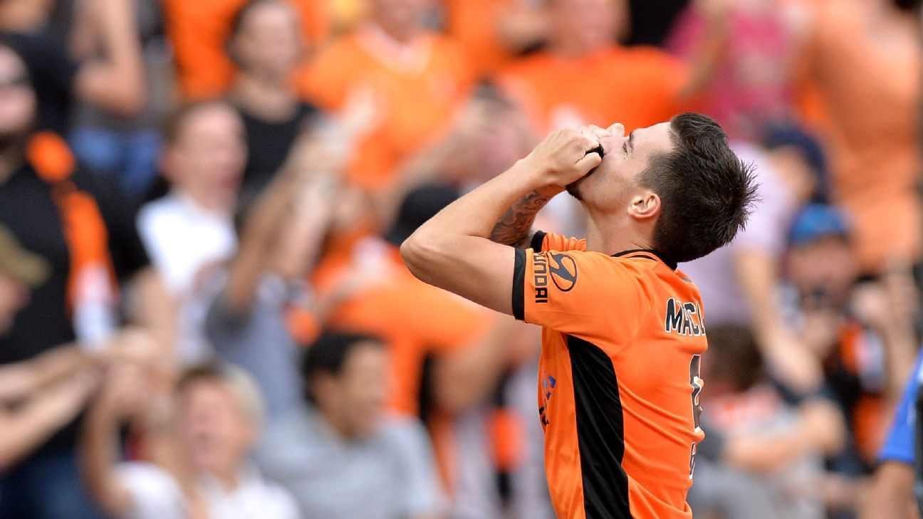 Brisbane Roar striker Jamie Maclaren