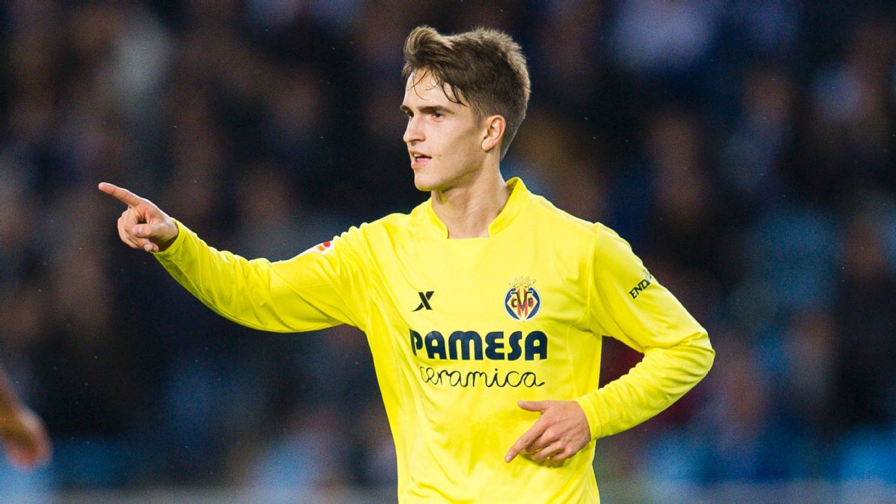 Denis Suarez of Villarreal CF celebrates after scoring during the La Liga match between Real Sociedad de Futbol and Villarreal CF at Estadio Anoeta on December 20, 2015 in San Sebastian, Spain. (Photo by Juan Manuel Serrano Arce/Getty Images)