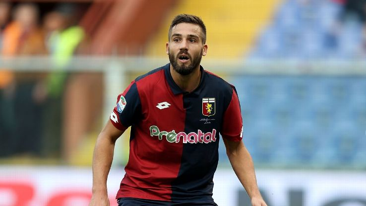 Leonardo Pavoletti in action for Genoa against Udinese.