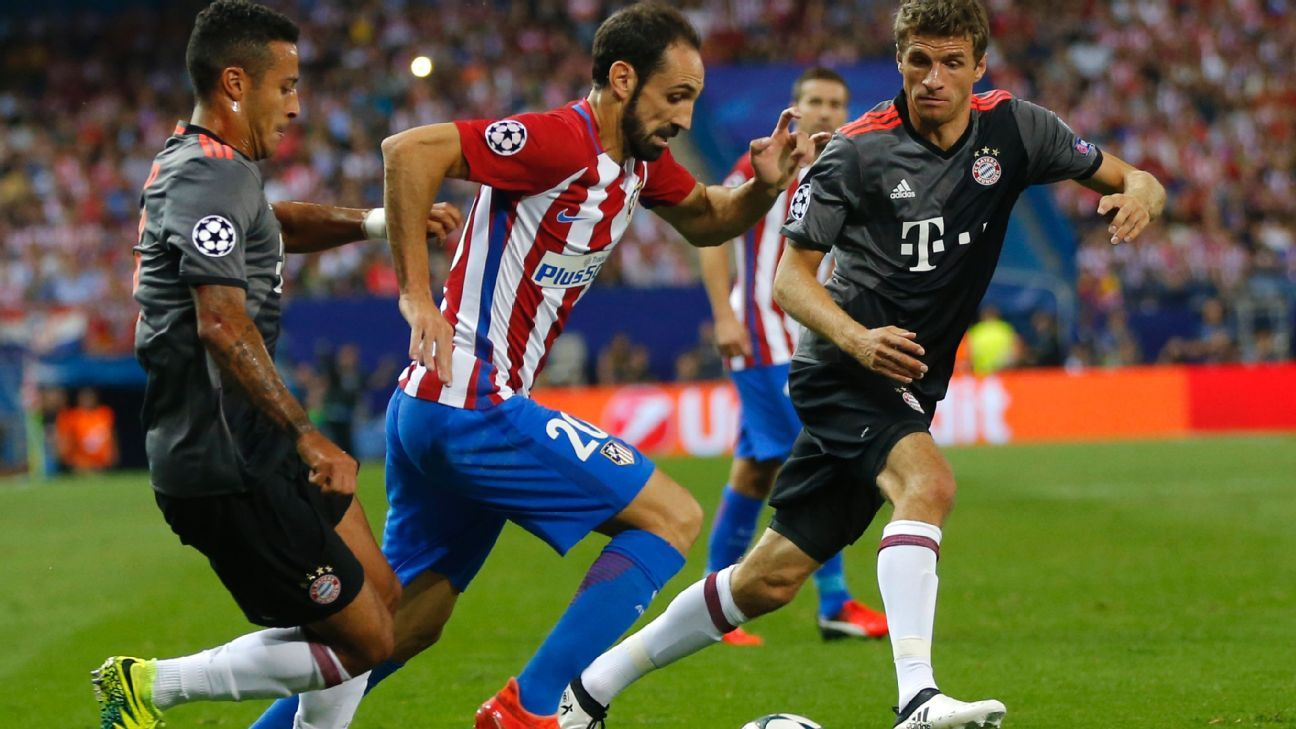 Juanfran action for Atleti