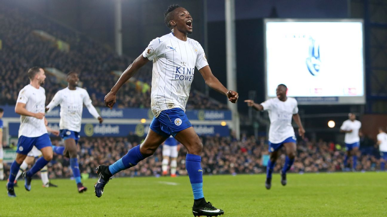 Leicester's Ahmed Musa celebrates his winner against Everton.