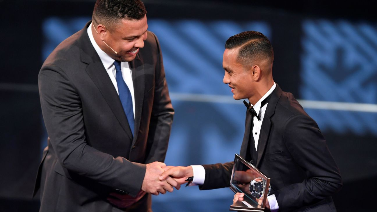 Faiz Subri with Brazilian Ronaldo