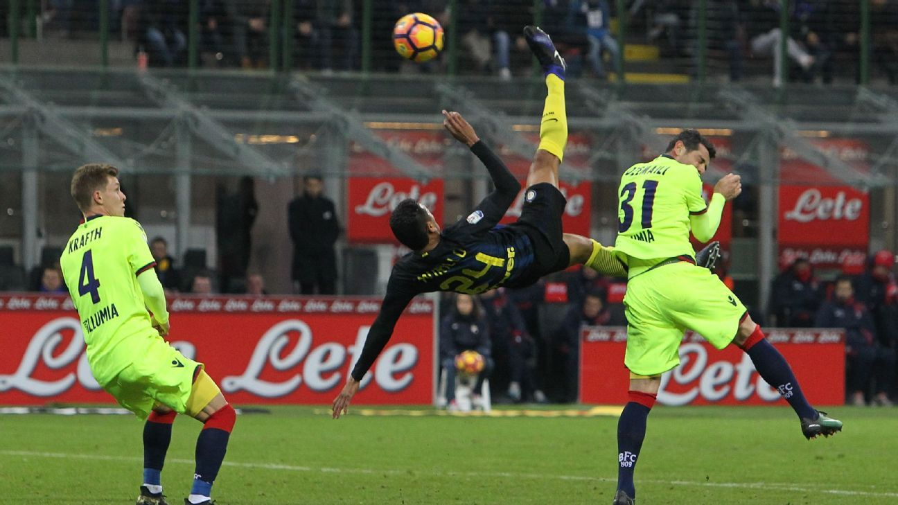 Jeison Murillo scored Inter's first goal with an overhead kick.