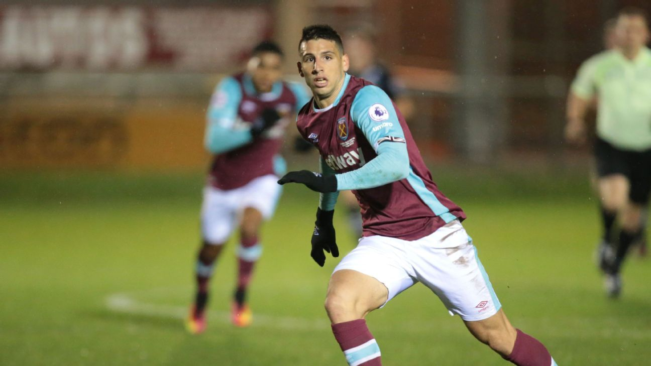 Jonathan Calleri in action for West Ham United under-23s during a game against Blackburn Rovers in November 2016.