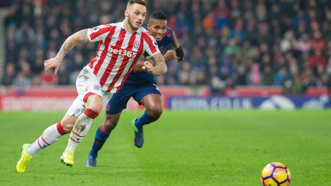 Stoke fail to capitalize on Man United display, settle for a frustrating 1-1 draw