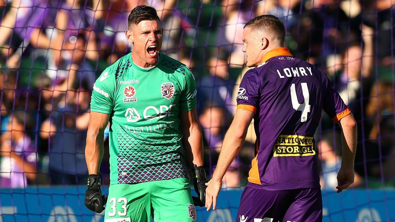 Perth Glory goalkeeper Liam Reddy