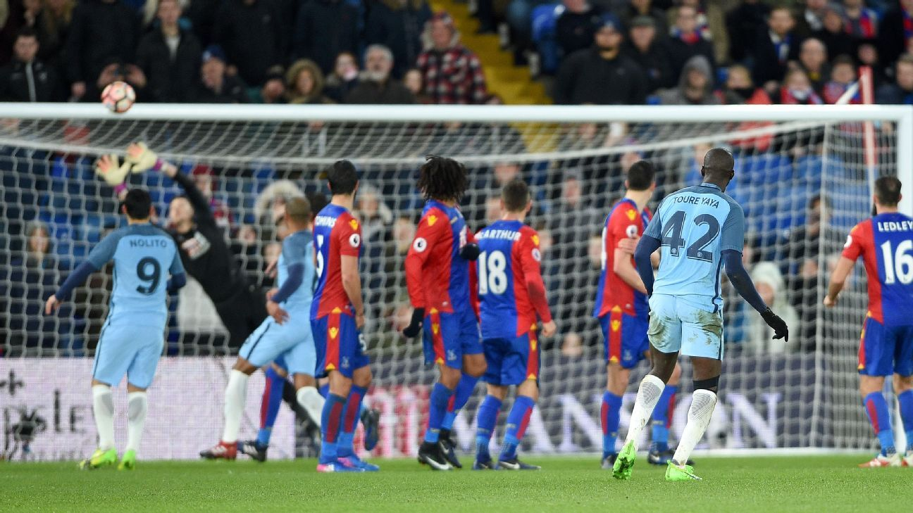 Yaya Toure's free kick put Man City on their way to victory.