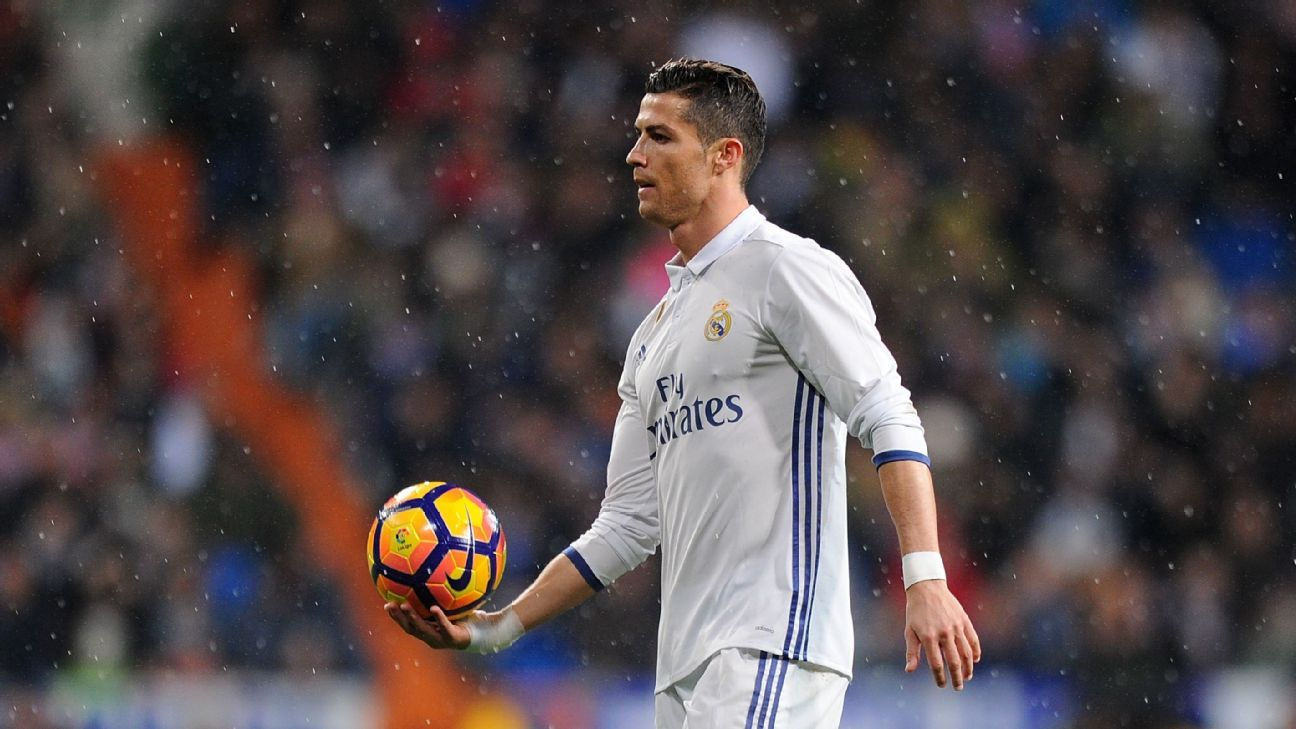 Real Madrid fans whistling Cristiano Ronaldo is madness Iker