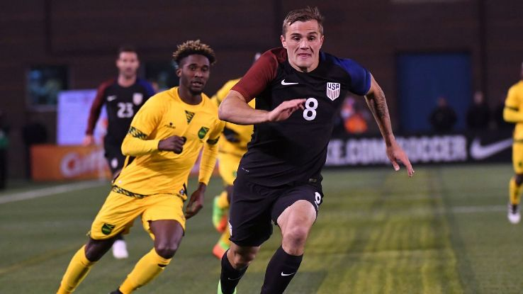 Jordan Morris runs down a loose ball in a friendly between the United States and Jamaica.