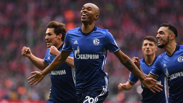 Naldo celebrates his equaliser for Schalke on Saturday.