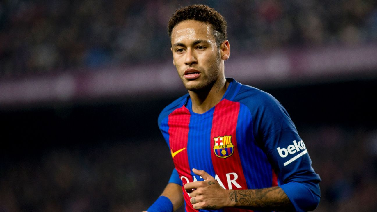 Neymar committed to Barcelona amid reported Manchester United interest