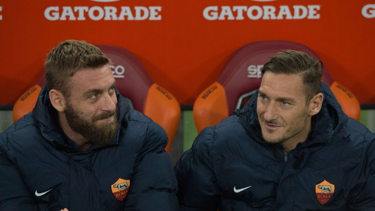Daniele De Rossi and Francesco Totti during the Italian Serie A football match between A.S. Roma and Pescara.