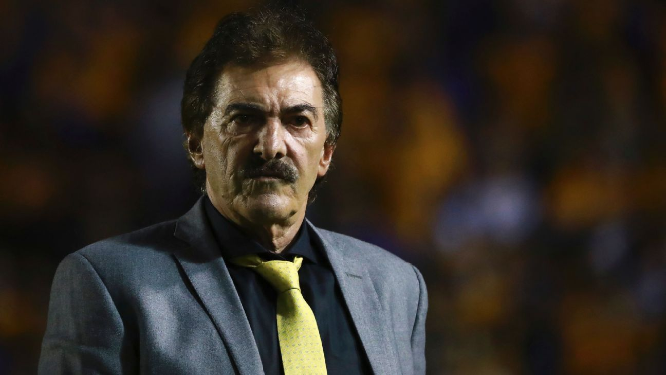 Off the sidelines for a year, Ricardo La Volpe still obsesses over the game.
