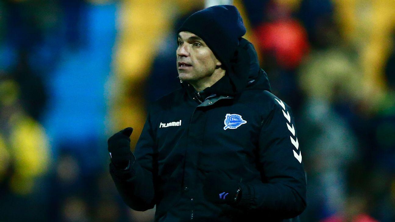 Alaves coach Mauricio Pellegrino