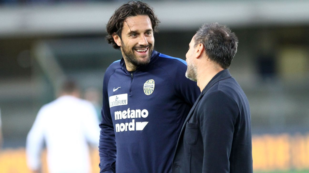 Car carrying Luca Toni and Hellas Verona president attacked