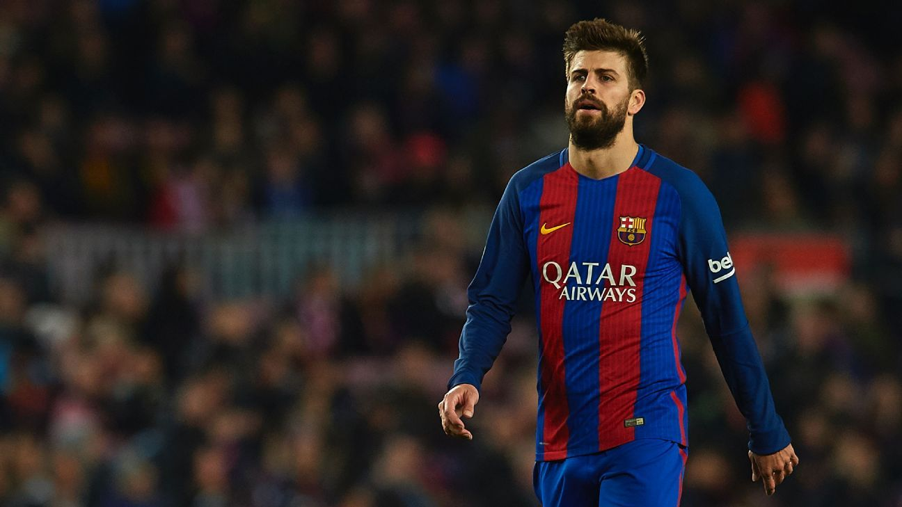 Barcelona s Gerard Pique backs Luis Enrique We are with him