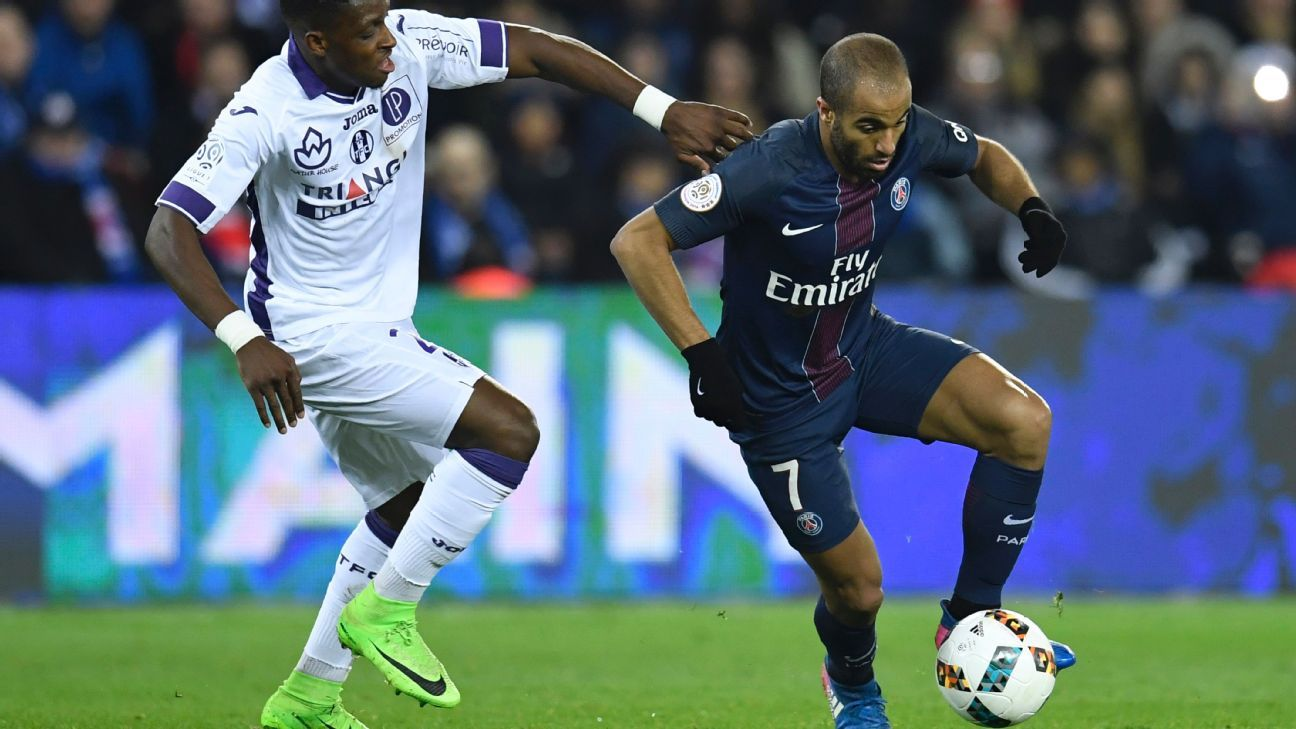 Lucas Moura dribbles past Toulouse defender Jacques Francois Moubandje in the team's 0-0 draw on Sunday.