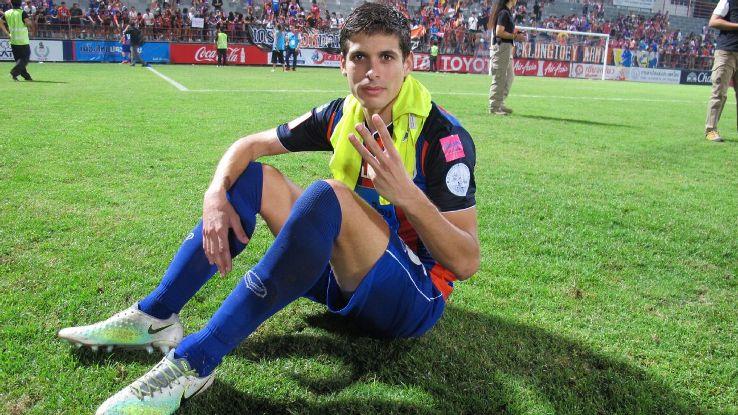 Port FC MF Sergio Suarez