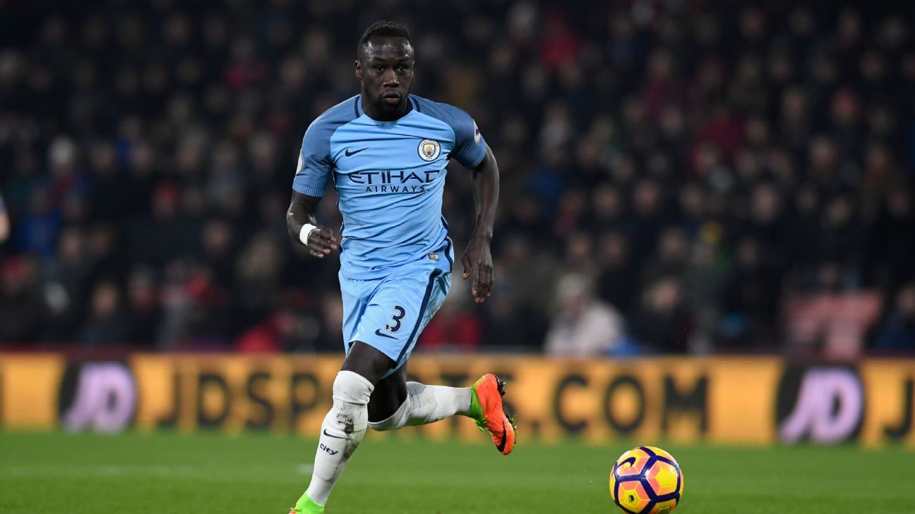 Bacary Sagna in action for Manchester City.