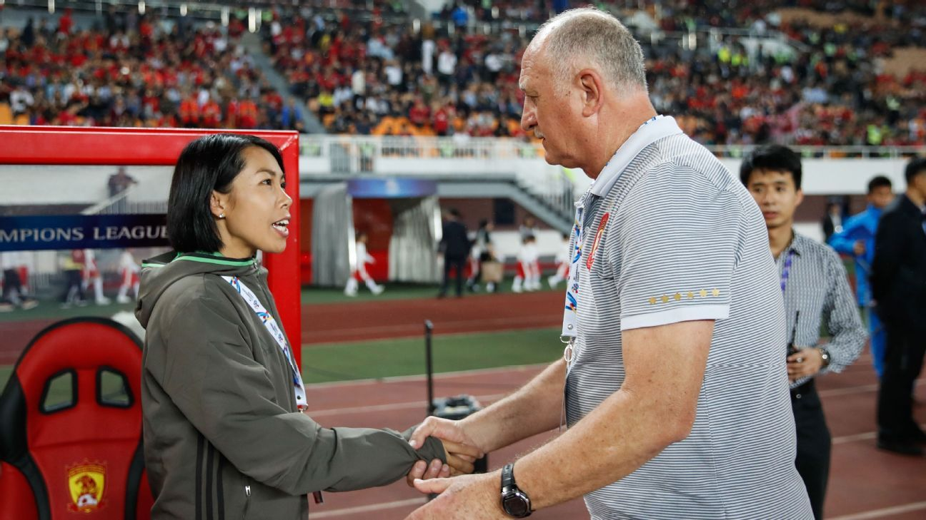 Coaches Chan Yuen-ting and Luiz Felipe Scolari