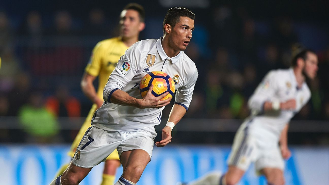 Real Madrid's Cristiano Ronaldo plays fewer minutes than Barca trio - report