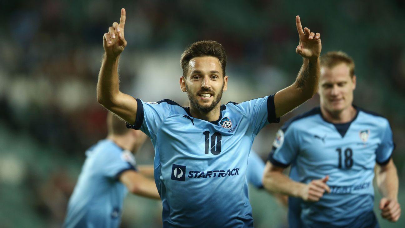 Milos Ninkovic of Sydney FC