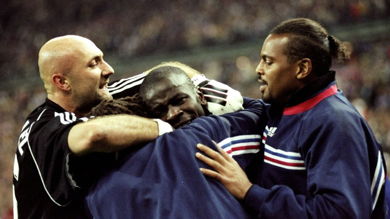 Fabien Barthez and Bernard Lama competed for the France No. 1 goalkeeping spot.