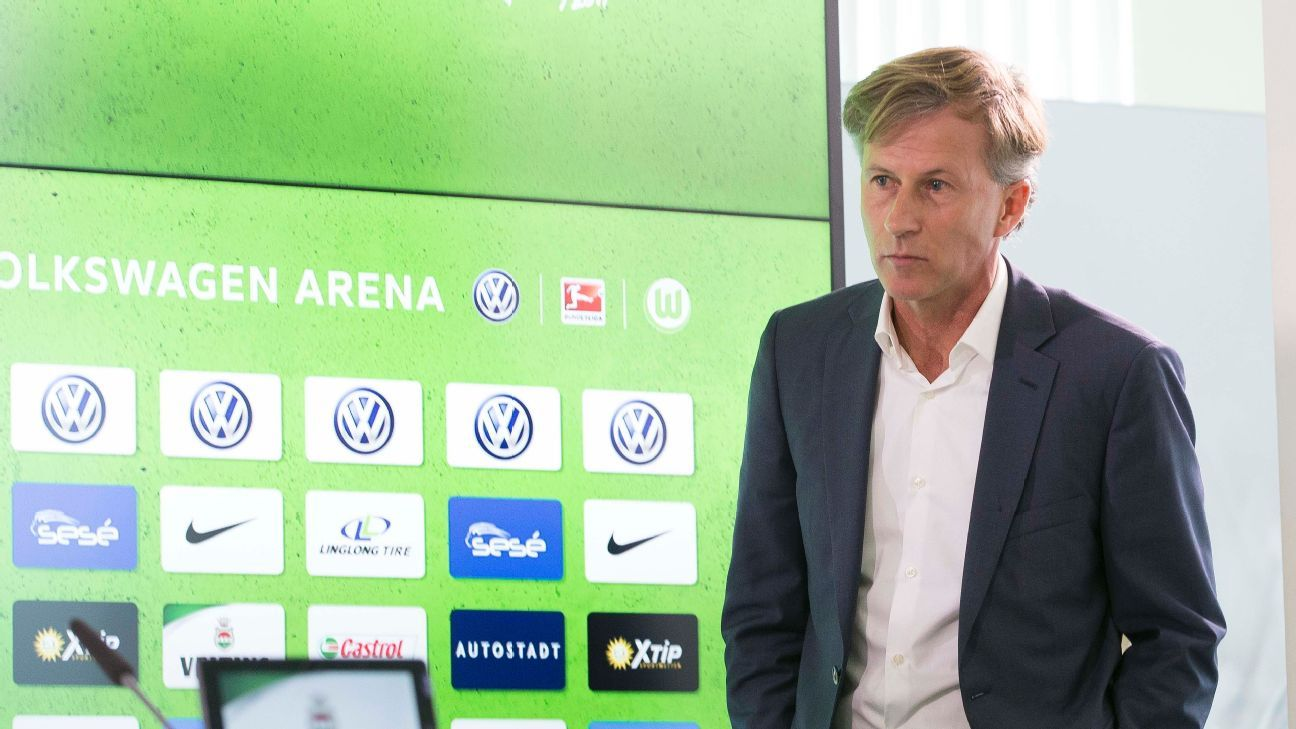 Andries Jonker left a job in Arsenal's academy to become Wolfsburg coach.