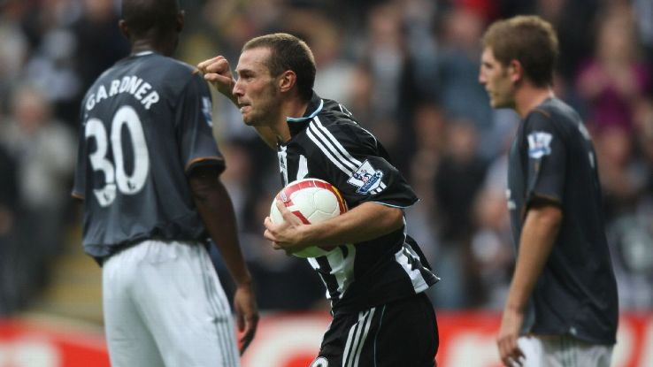 Xisco scores for Newcastle United 2008 v Hull