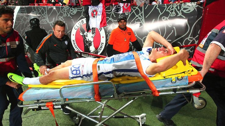 Lozano injury vs Tijuana 170303