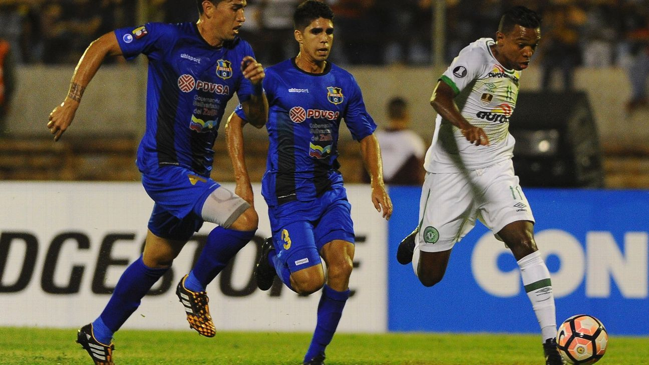 Chapecoense action vs Zulia 170307