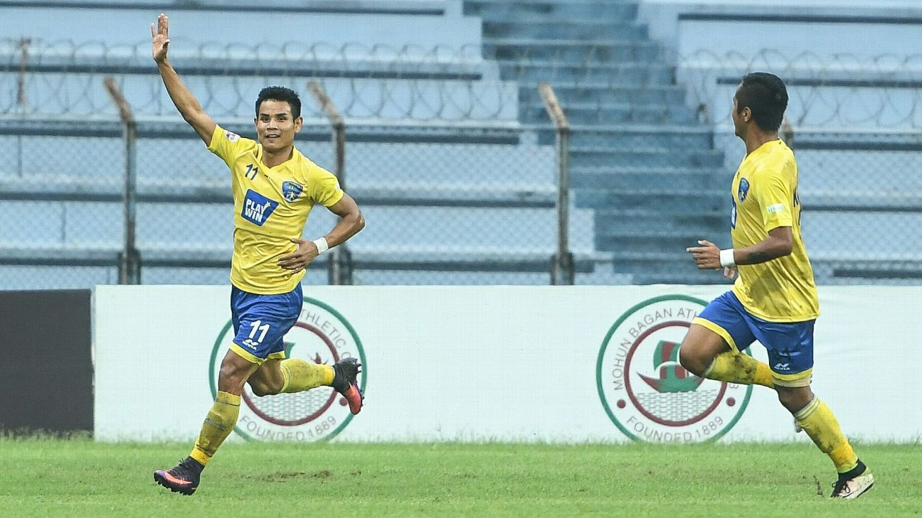 Thoi Singh scored one of Mumbai's two goals in a hard-fought 2-2 draw against Mohun Bagan.