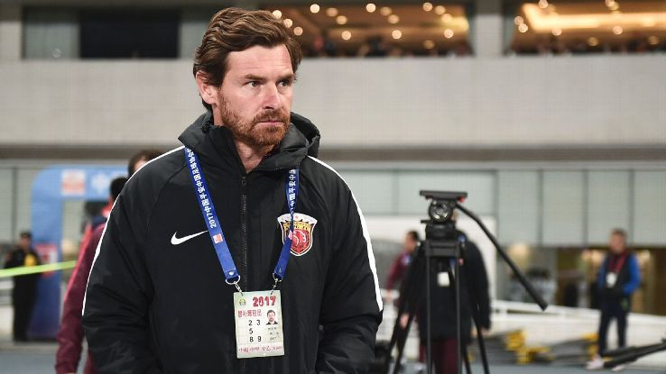 Andre Villas-Boas looks on during the Chinese Super League between Shanghai SIPG and Changchun Yatai.